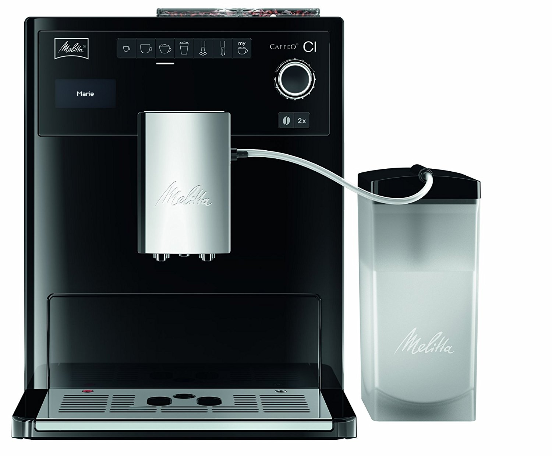 Kaffeeautomat mit Milchbehaelter